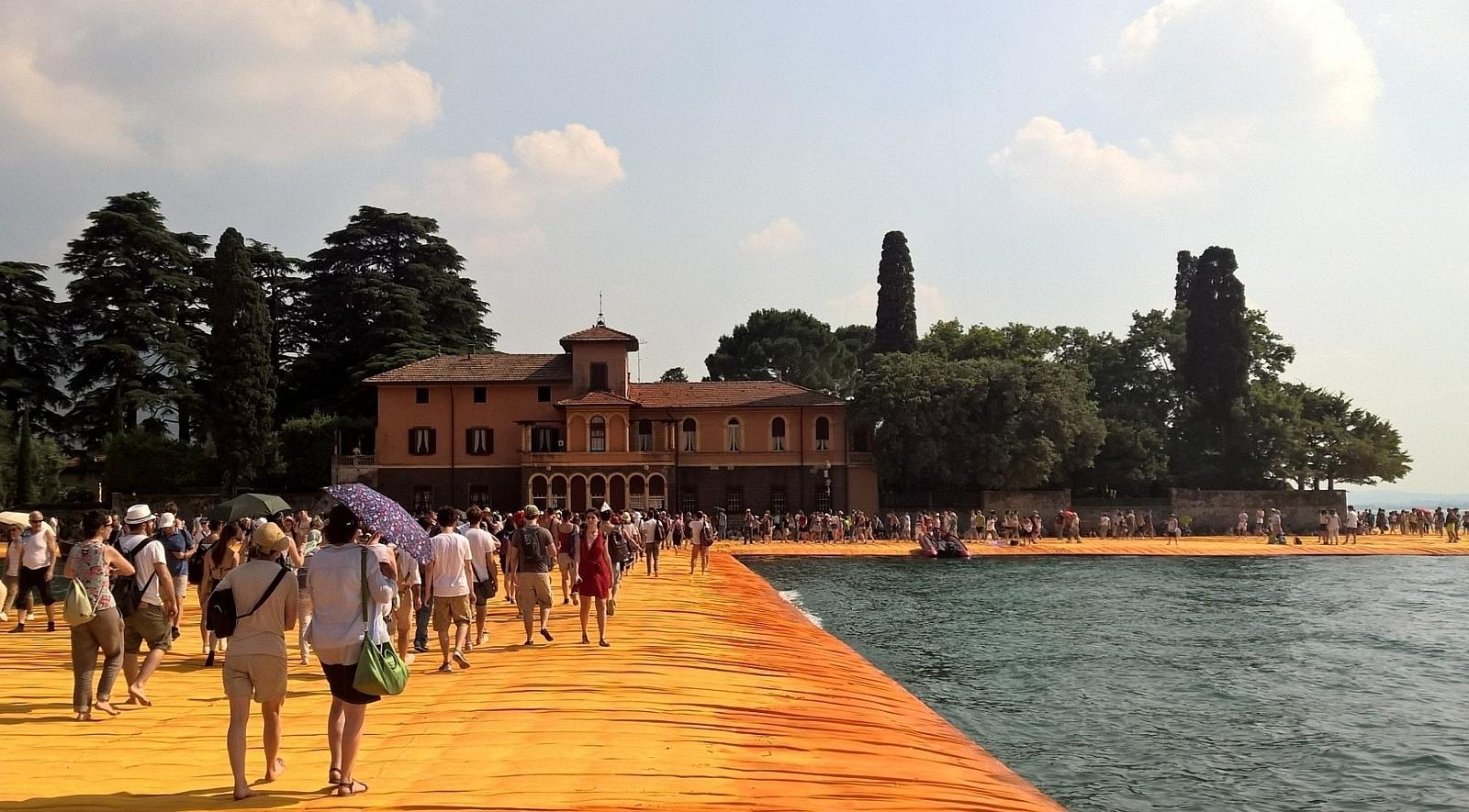 Foto di HRG - * 'The Floating Piers' Italien - Christo Projekt Iseosee Sulzano