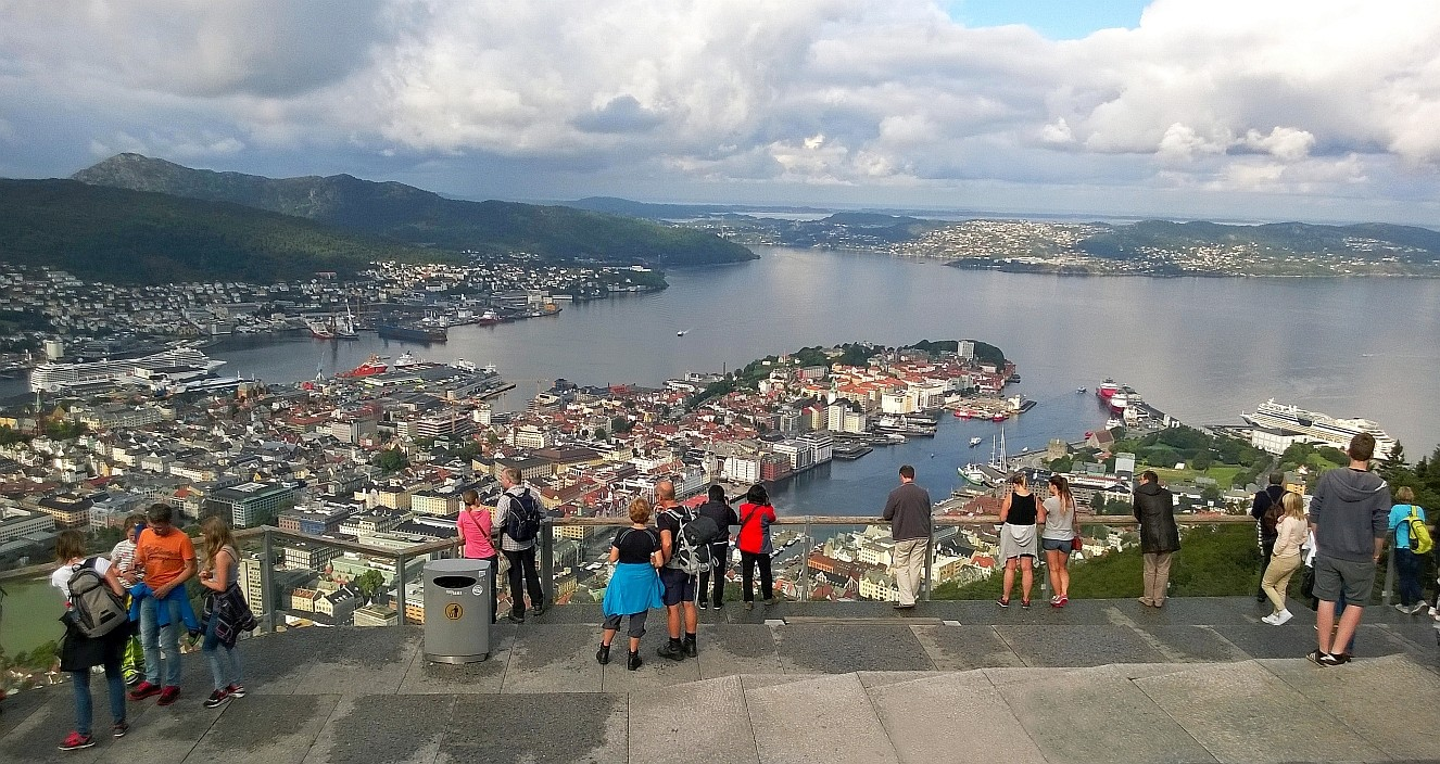 Photo of HRG - *Bergen Norwegen - Mount Floyen Bergseen Stolzekleiven Bryggen