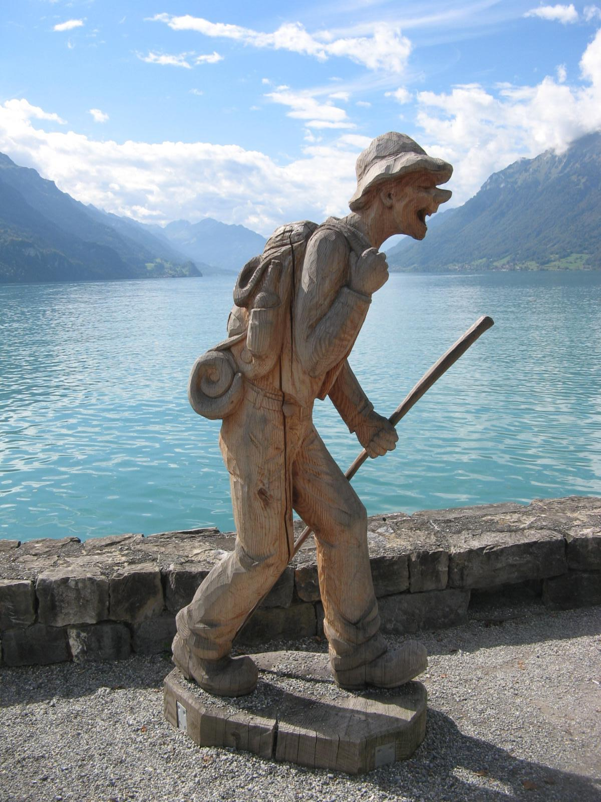 Фото 2 hour paved walk around Brienz