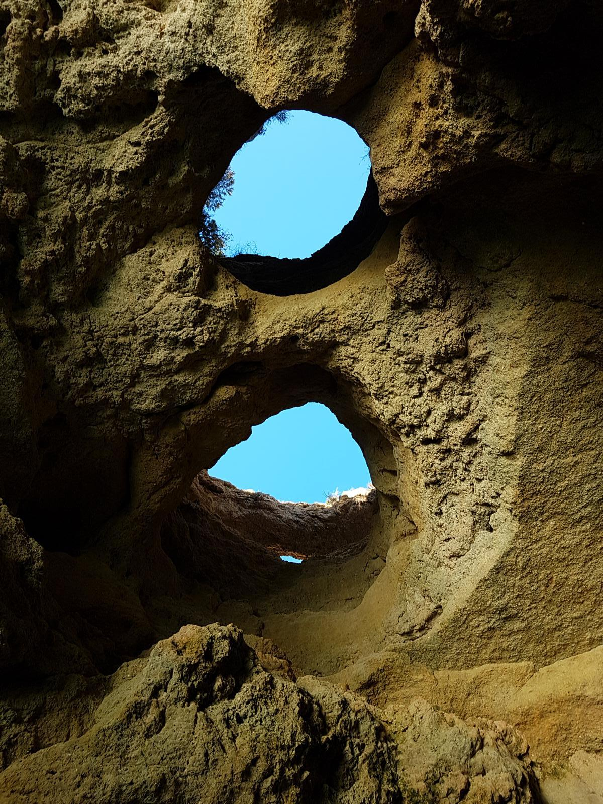 Foto von Dolphins and caves (no dolphins seen) tour