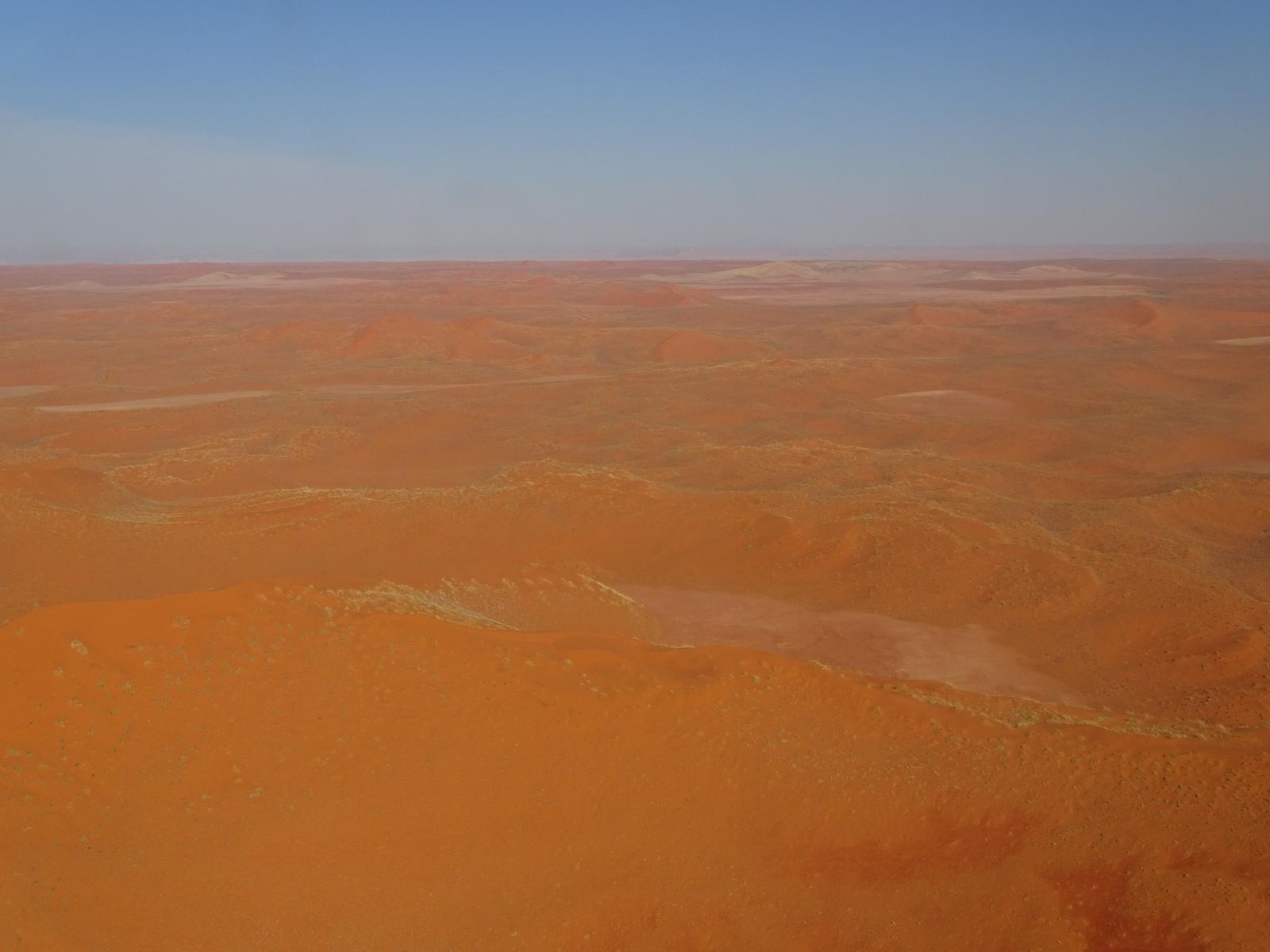 的照片 Scenic Flight over the Namib Desert