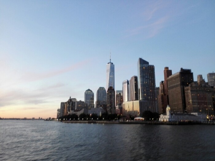 mynd af Sunset cruise around Manhattan and Statue of Liberty