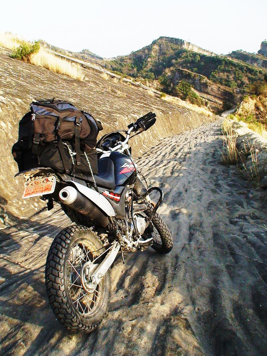 Foto af India, Jammu, Frontal Thrust off road trail - Mahorgarh section