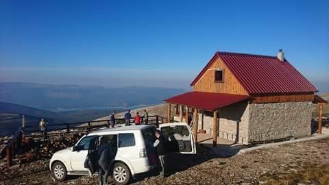 Foto de To the mountain shelter Pume on Dinara.