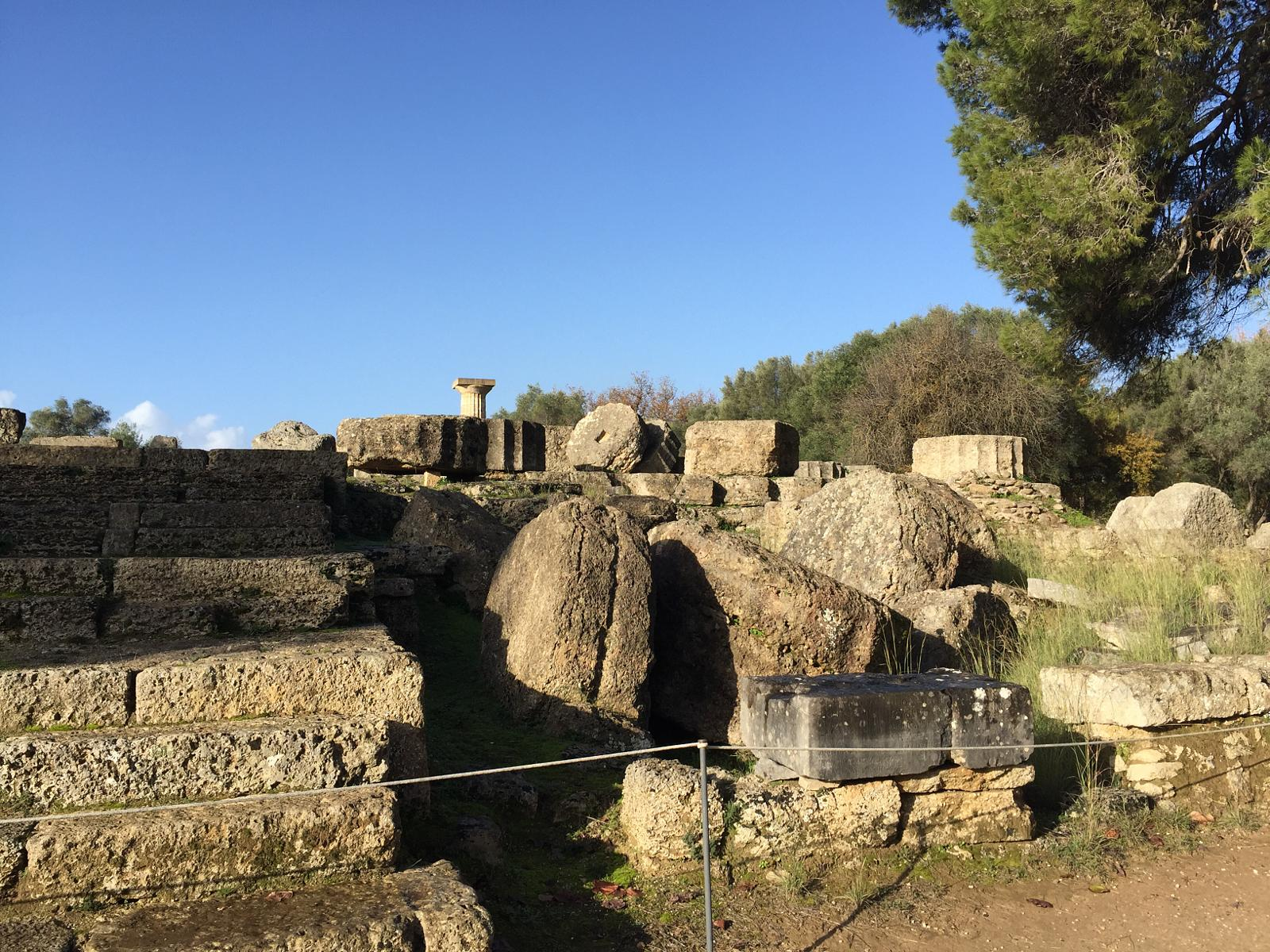 Φωτογραφίες Walking in ancient Olympia