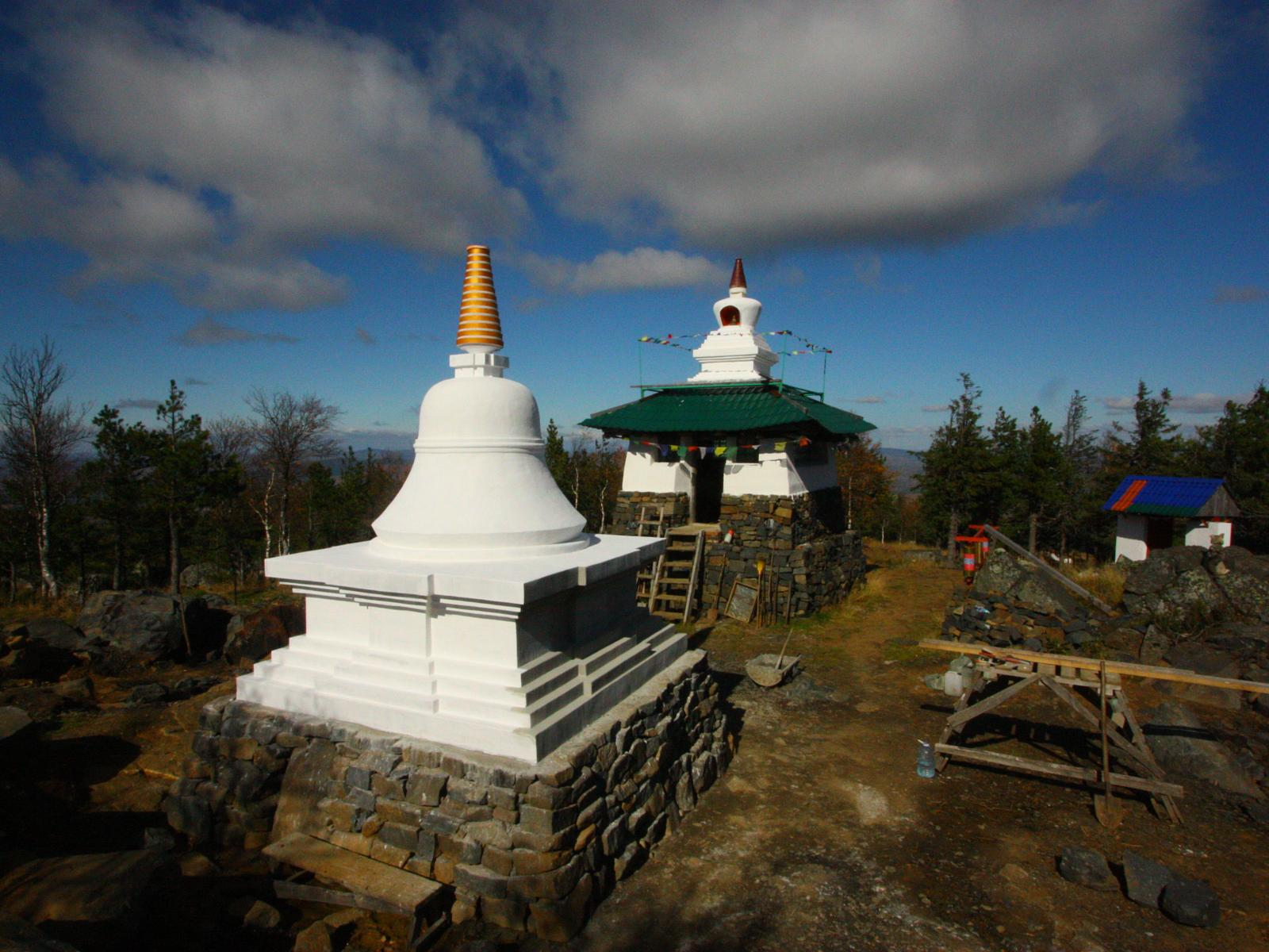 Photo de Trail to the Buddhist communuty Shad Tchup Ling in the Ural mountains