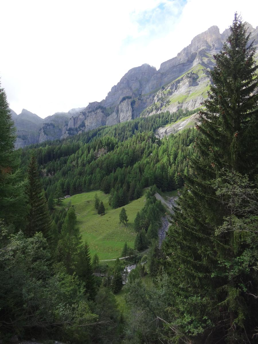 Photo of Leukerbad-Dala Gorge-Majingsee 6.2 km
