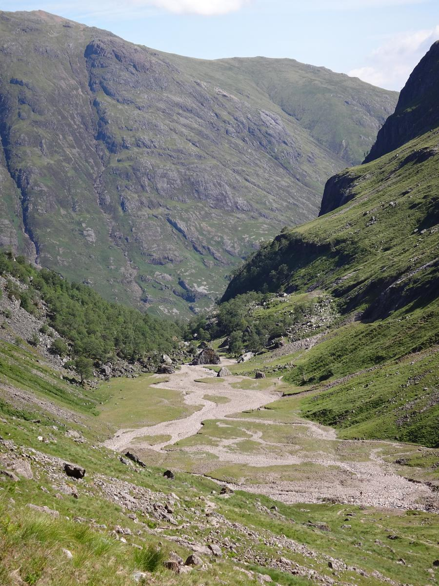 Photo de Path on west side of Coire Gabhail