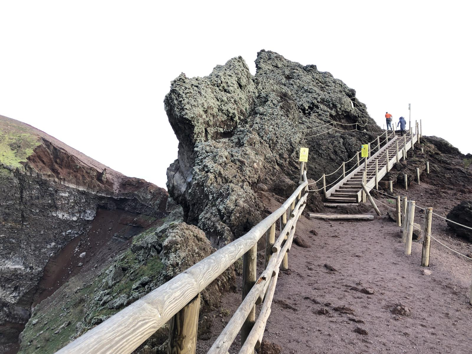 Photo de National park of Vesuvio cratere trail