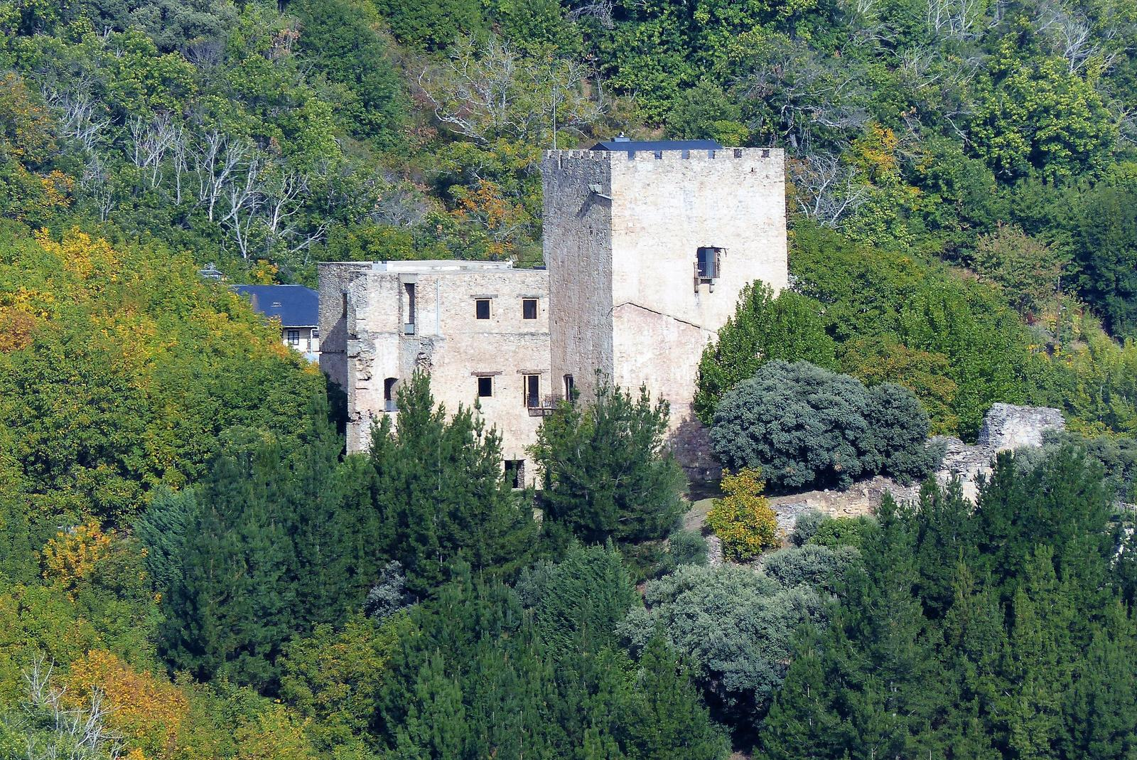 Photo of Villafranca.. Castillo de Corullón