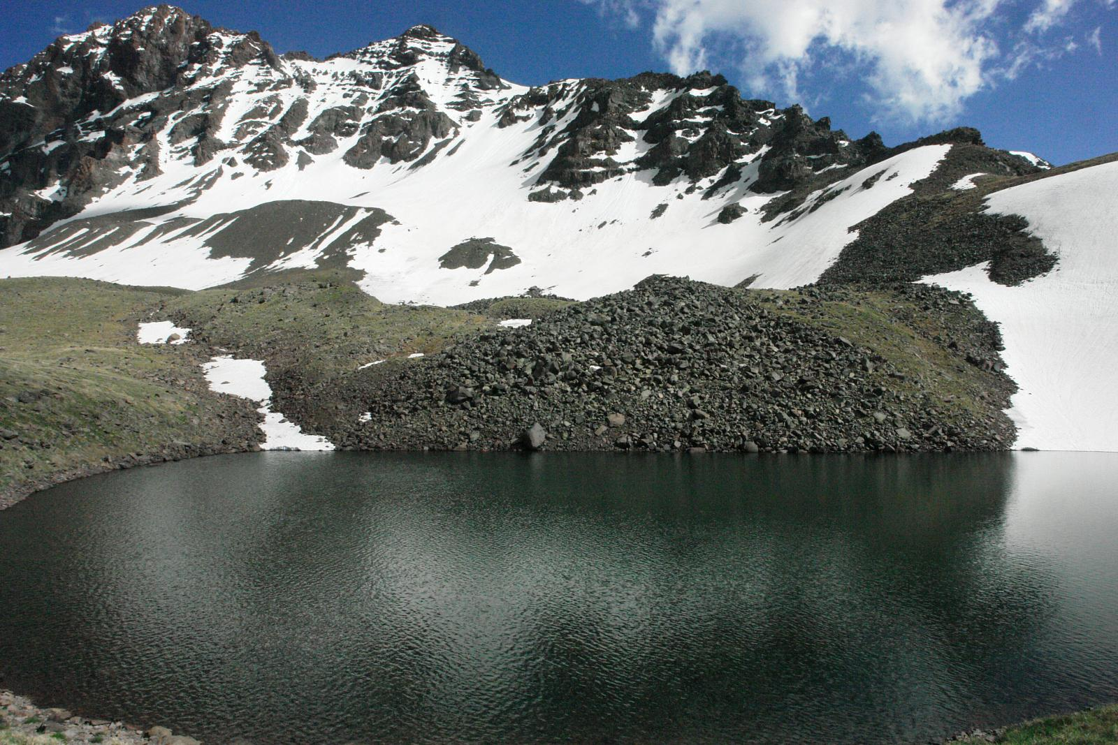 Фото Geghadzor and the Highest Lake on the Northern Peak of Mt. Aragats