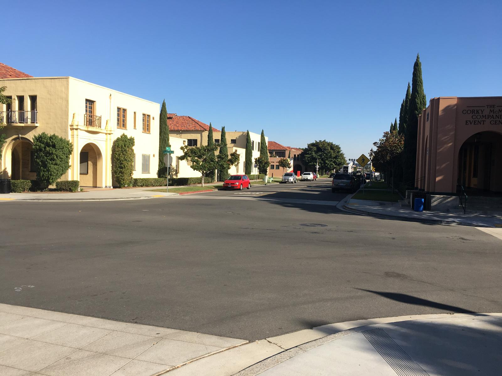 Photo de Least hilly and Local Quiet Streets Loma Portal to Liberty Station
